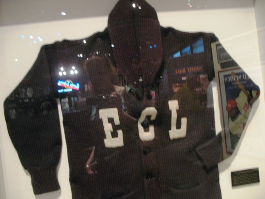 0615_nlm7_sweater.jpg